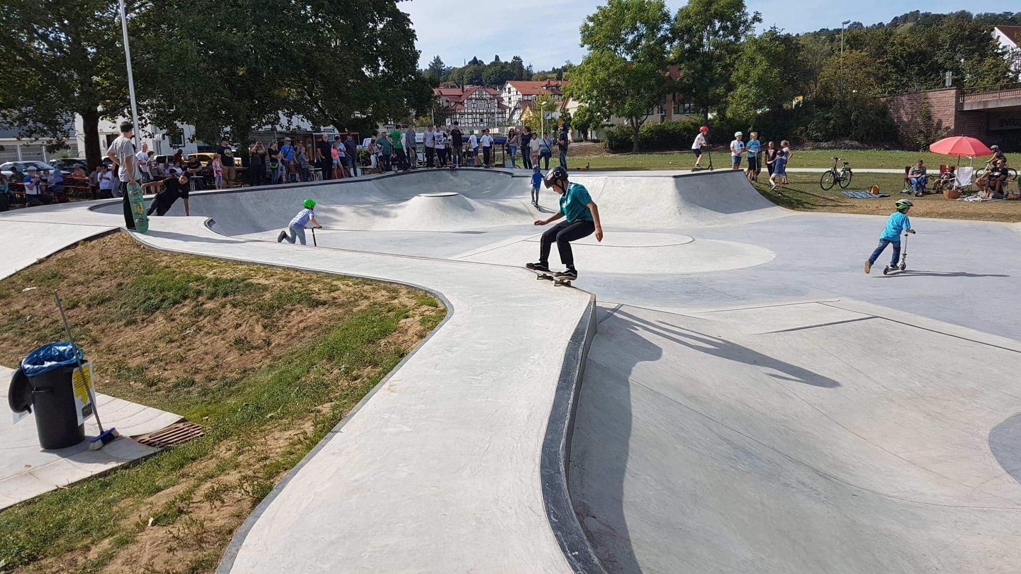 Skatepark und Inlinerplatz